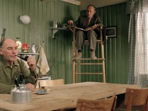 """Still fra filmen """"Salmer fra kjøkkenet"""" (2003)."""